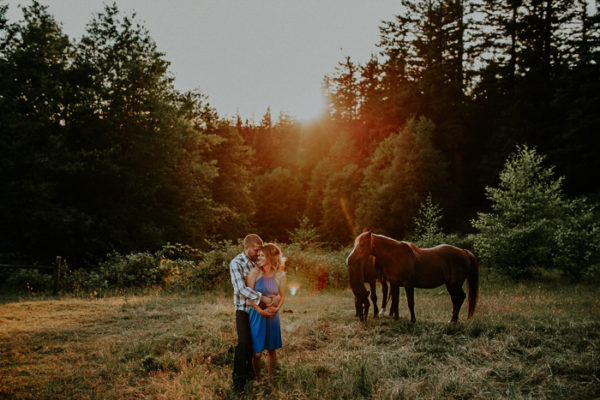 Jasmine + Seth Engaged {Corbett, OR} | Portland Wedding Photographer